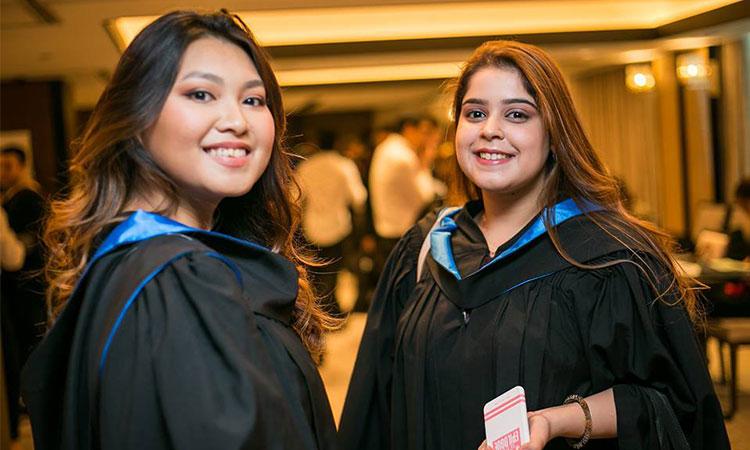 Cử nhân hệ Đại học của JCUS