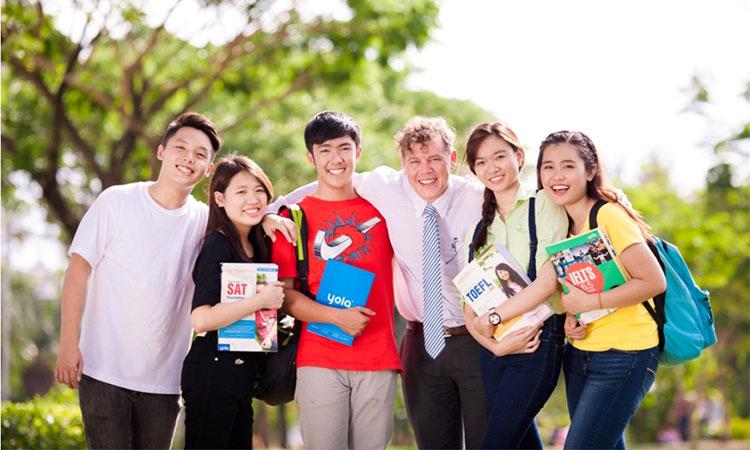 Các du học sinh Việt Nam tại Singapore