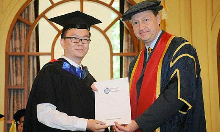 Sinh viên học viện ERC nhận bằng đại học được cấp bởi đại học Greenwich