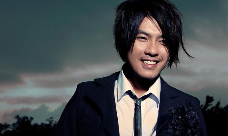 Du Chengyi là một trong những nam ca sĩ nổi tiếng nhất tại Singapore