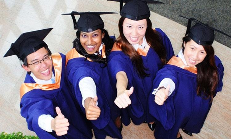 NUS có rất nhiều học bổng hỗ trợ sinh viên