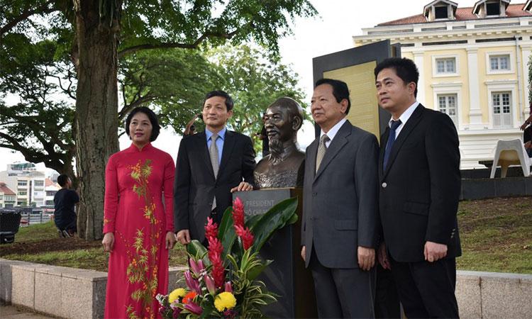 Danh sách các cán bộ ngoại giao Việt Nam