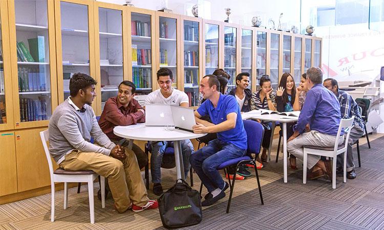 Rất nhiều sinh viên quốc tế lựa chọn học tập tại trường FTMS Global Academy