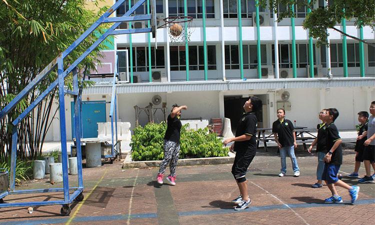 Các chương trình thể thao và ngoại khóa năng động dành cho học sinh trong trường